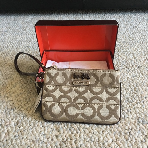 Coach Handbags - Coach clutch